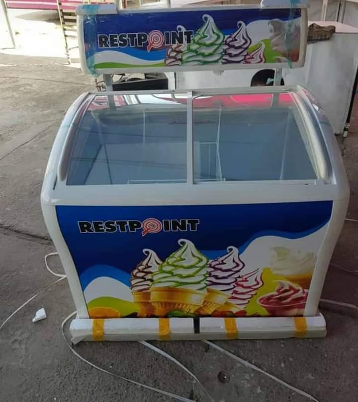 Ice Cream Showcases Cooler