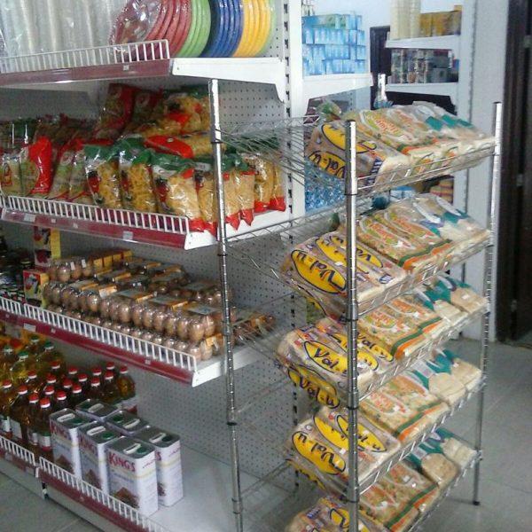 supermarket snacks display stand